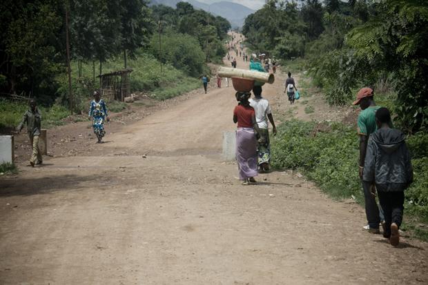 Kvinnor i afrikanska samhällen motarbetas socialt, politiskt och ekonomiskt. Ju mindre jämställt ett samhälle är, desto trögare går det framåt ekonomiskt. Foto: Cato Lein