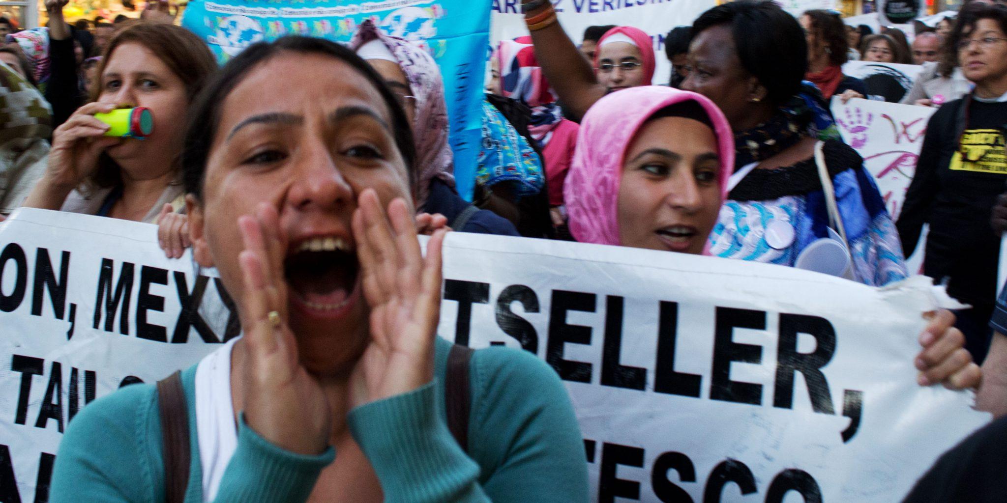 Världens kvinnorättsförsvarare får allt svårare att uttrycka sina åsikter.