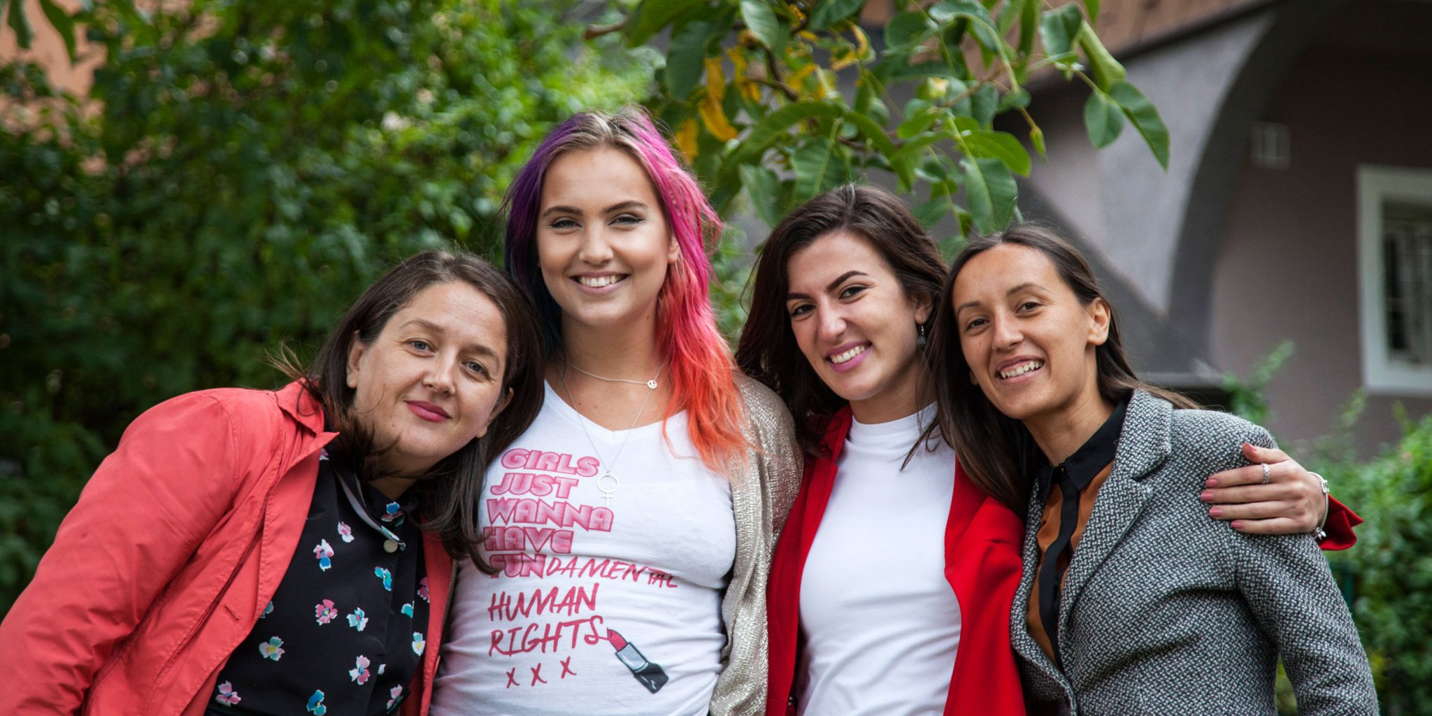 Linnéa Claeson, goodwill-ambassadör, med Luljeta Demolli, Nita Zogiani och Lavdi Zymberi från Kosovo Gender Studies Centre. Foto: Majlinda Hoxha