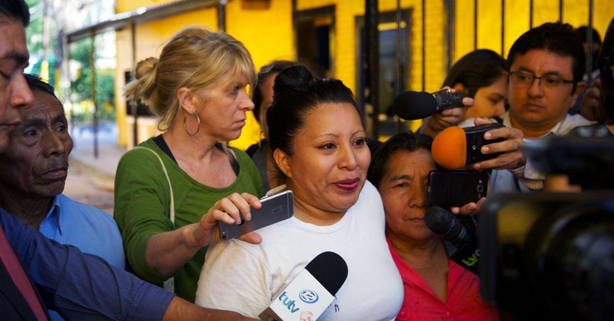 Teodora del Carmen Vásquez får Per Anger-priset för sin kamp för kvinnors rätt till sexuell och reproduktiv hälsa i El Salvador. Foto: Amnesty International