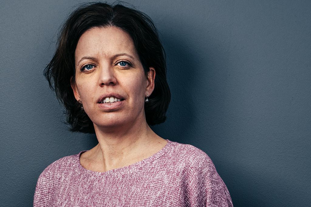 """""""Vi kan se att det finns många gemensamma beröringspunkter mellan anti-genusrörelsen, populistiska politiker, klimatförnekare och invandringringskritiker"""", säger Kvinna till Kvinnas generalsekreterare Petra Tötterman Andorff. Foto: Viktor Gårdsäter"""