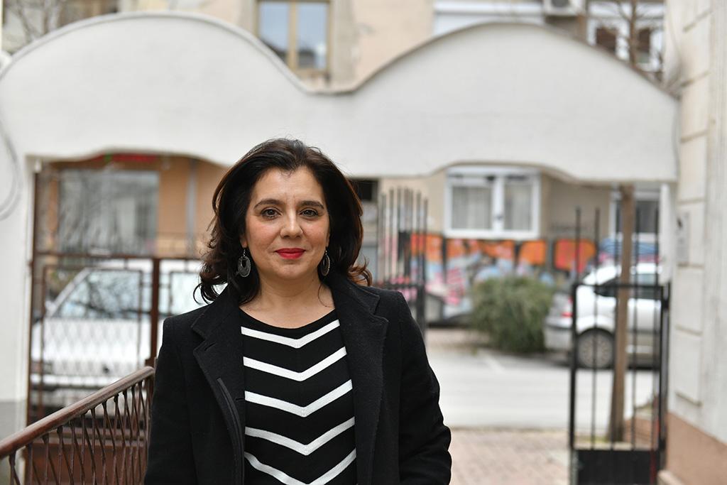 Uranija Pirovska är chef på Kvinna till Kvinnas partnerorganisation Helsinki Committee for Human Rights of the Republic of Macedonia i Nordmakedonien. De jobbar för mänskliga rättigheter och erbjuder bland annat juridisk rådgivning till personer som blivit utsatta för kränkningar. Foto: Maja Janevska Ilieva