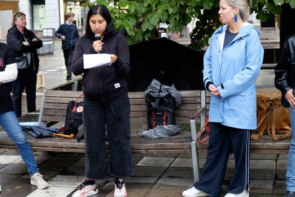 Nasrin Ebrahimi tillsammans med Kvinna till Kvinnas generalsekreterare Petra Tötterman Andorff. Foto: Kvinna till Kvinna/Johanna Riedel